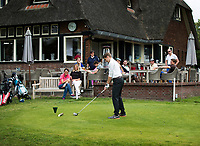 AMSTERDAM - Tee naast het terras van de AOC (Amsterdam Old Course)  COPYRIGHT KOEN SUYK
