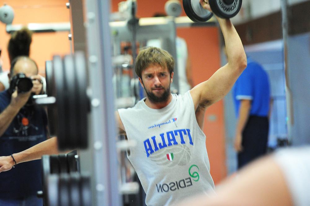 DESCRIZIONE : Folgaria Allenamento Raduno Collegiale  Nazionale Italia Maschile <br /> GIOCATORE : Daniele Cavaliero<br /> CATEGORIA : allenamento palestra<br /> SQUADRA : Nazionale Italia <br /> EVENTO :  Allenamento Raduno Folgaria<br /> GARA : Allenamento<br /> DATA : 18/07/2012 <br />  SPORT : Pallacanestro<br />  AUTORE : Agenzia Ciamillo-Castoria/GiulioCiamillo<br />  Galleria : FIP Nazionali 2012<br />  Fotonotizia : Folgaria Allenamento Raduno Collegiale  Nazionale Italia Maschile <br />  Predefinita :