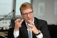 09 JAN 2007, BERLIN/GERMANY:<br /> Ronald Pofalla, CDU Generalsekretaer, waehrend einem Interview, in seinem Buero, CDU Bundesgeschaeftsstelle<br /> IMAGE: 20070109-01-015