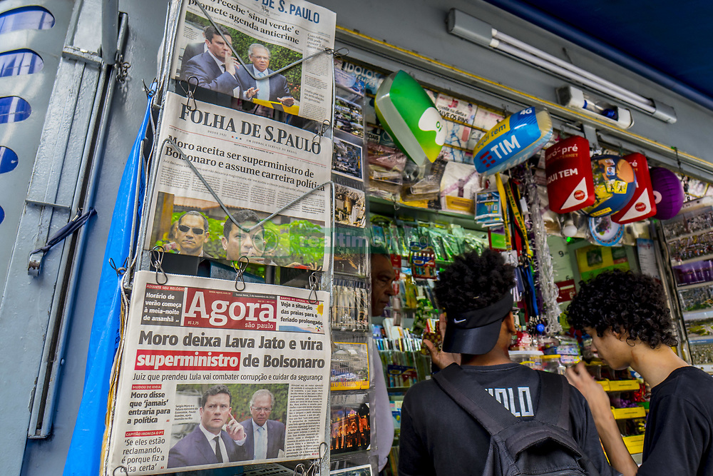 November 2, 2018 - Rio De Janeiro, Brazil - Sérgio Moro's yes to the invitation of President-elect Jair Bolsonaro (PSL) to occupy the new Ministry of Justice and Public Security is a ''very clear indication of how the new government would be committed to fighting corruption and organized crime.'' Therefore, it is ''a hit of gigantic dimensions''. The evaluations are by political scientist Carlos Pereira, professor of political science at the Getúlio Vargas Foundation in Rio de Janeiro, Brazil, on 2 November 2018. On the other hand, the political movement of the judge represents a ''risky game'', affirms the analyst. ''Moro is going to be arguing with a hidden agenda, and whatever imbroglio that may happen in the Bolsonaro administration, Moro puts a whole career at risk. (Credit Image: © Cris Faga/NurPhoto via ZUMA Press)
