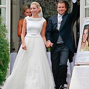 NLD/Ermelo/20070709 - Huwelijk Winston Gerstanowitz en Renate Verbaan, Winston juichend