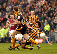 Photo: Jed Wee.<br />Hull v Aston Villa. The FA Cup. 07/01/2006.<br />Aston Villa's Gareth Barry (L) breaks the deadlock early in the second half with a rare strike with his right foot.