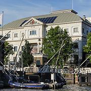NLD/Amsterdam/20120812 - Varen door de Amsterdamse grachten, theater Carre