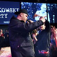 Nederland, Amsterdam , 8 maart 2014.<br /> Charles Bukowski-party ter ere van de Amerikaanse auteur Charles Bukowski, die 9 maart 1994 - twintig jaar geleden-overleed. Met documentaires en korte films, een diner met kip en appelmoes en performances van o.a. Hugo Borst, Simon de Waal, Janneke van der Horst, Khalid Boudou, Naima El Bezaz en nog veel meer.<br /> Op de foto rapper Stick(s)<br /> <br /> Op de foto rapper Stick(s) Bukowski sluit de avond af.<br /> Foto:Jean-Pierre Jans