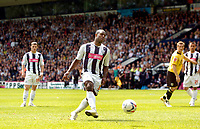 Photo: Leigh Quinnell.<br /> West Bromwich Albion v Barnsley. Coca Cola Championship. 06/05/2007. Nathan Ellington fires home a penalty for West Brom.