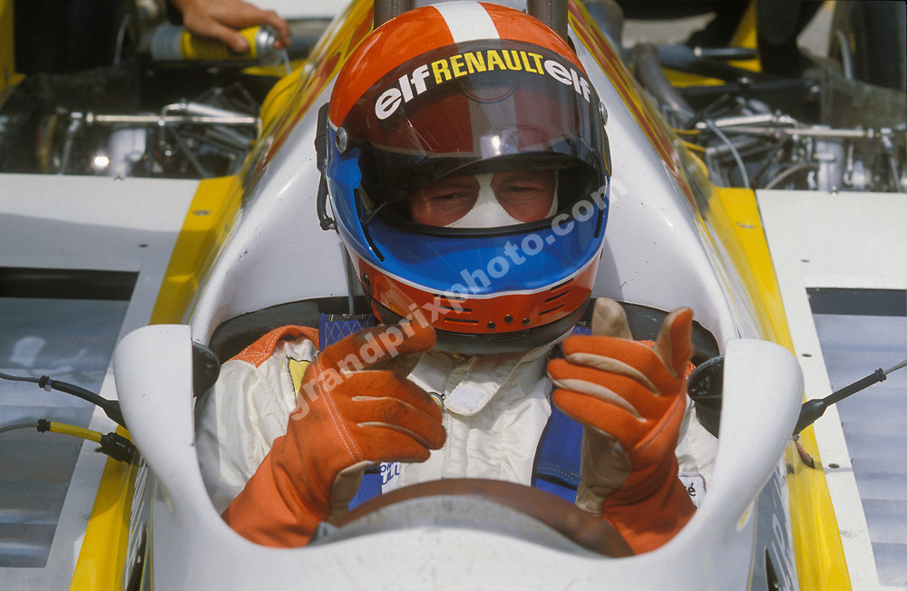 Jean-Pierre Jabouille in his Renault with his helmet oin before the 1980 South African Grand Prix at Kyalami. Photo: Grand Prix Photo