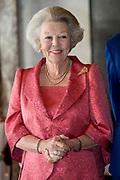 Prinses Beatrix tijdens de uitreiking van de Zilveren Anjers van het Prins Bernhard Cultuurfonds in het Koninklijk Paleis Amsterdam. <br /> <br /> Princess Beatrix at the ceremony of the Silver Carnations of the Prince Bernhard Culture Fund in the Royal Palace of Amsterdam.<br /> <br /> Op de foto:  Prinses Beatrix // Princess Beatrix