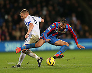 Crystal Palace's Marouane Chamakh tussles with Sunderland's Lee Cattermole<br /> <br /> - Barclays Premier League - Crystal Palace vs Sunderland- Selhurst Park - London - England - 3rd November 2014  - Picture David Klein/Sportimage