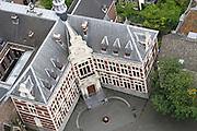 Het Akademiegebouw van de Universiteit Utrecht aan het Domplein in Utrecht.<br /> <br /> The Akademiegebouw of the Utrecht University at Dom square in Utrecht.