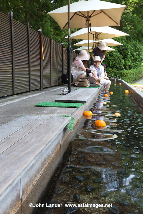 Foot Bath at Chukokunomori or Hakone Open Air Museum - Foot baths are all the rage in Japan, often in front of railway stations in hot spring towns to give tired travelers a rest from their arduous sightseeing schedules.