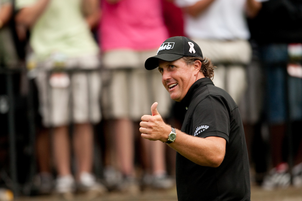 FARMINGDALE, NY - JUNE 21:  Phil Mickelson gives fans a thumbs-up during the fourth round of the 109th U.S. Open Championship on the Black Course at Bethpage State Park on Sunday, June 21, 2009. (Photograph by Darren Carroll) *** Local Caption *** Phil Mickelson