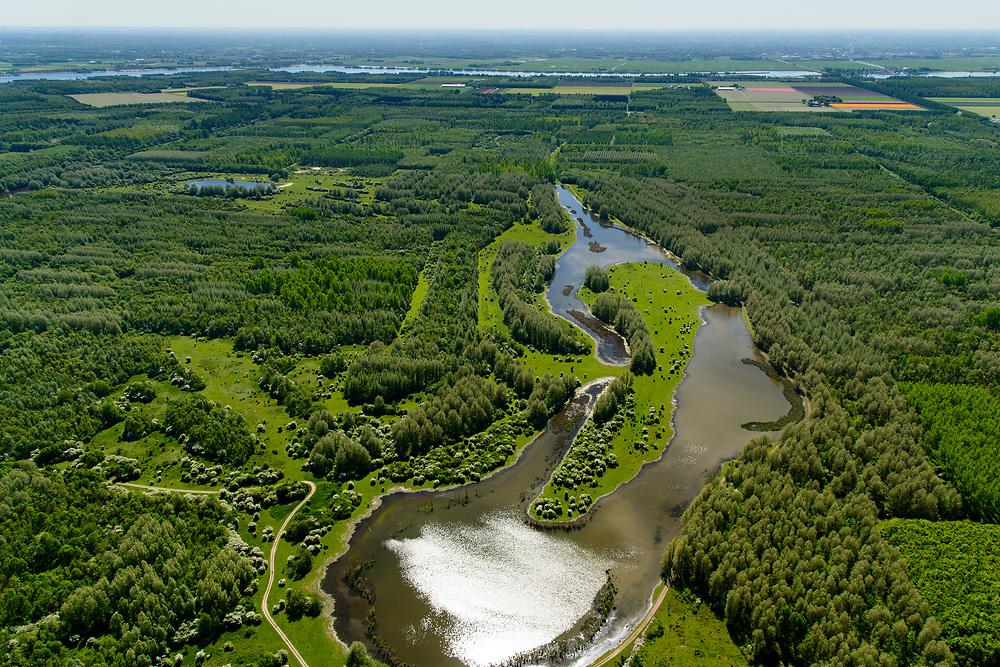 Nederland, Flevoland, Zeewolde, 07-05-2018; Horsterwold, met Stille Kern en Circle of Life. Grootste loofbos van Nederland, geplant op kleigrond. In beheer bij Staatsbosbeheer.<br /> Horsterwold, , largest deciduous forest in the Netherlands, planted on clay soil. <br /> <br /> luchtfoto (toeslag op standard tarieven);<br /> aerial photo (additional fee required);<br /> copyright foto/photo Siebe Swart