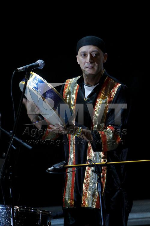 METEPEC, México.- El grupo Kasba de origen marroquí y holandés se presentaron en el Festival Internacional Quimera 2011, con gran éxito la combinación de instrumentos  tradicionales, percusión, guitarra, tambores y teclados fascinaron a los asistentes a su concierto. Agencia MVT / Crisanta Espinosa. (DIGITAL)