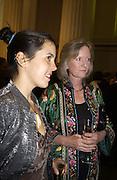 Hanna Mascheler and Annabel Gooch. Booker prize, British Museum, 22 October 2002. © Copyright Photograph by Dafydd Jones 66 Stockwell Park Rd. London SW9 0DA Tel 020 7733 0108 www.dafjones.com