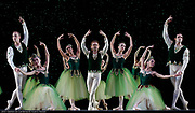 GASTON DE CARDENAS/EL NUEVO HERALD -- MIAMI -- Dancers from the Miami City Ballet during a rehearsal for the Ballet Jewels