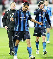 Fotball , <br /> Tippeligaen ,   <br /> 14.03.09 , <br /> Fredrikstad stadion , <br /> Fredrikstad FFK - Stabæk , <br /> Jan Jönsson roper til Daniel Nannskog ,  <br /> Foto: Thomas Andersen / Digitalsport