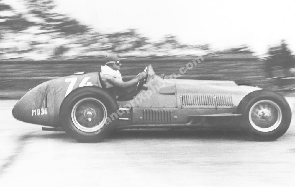 Froilan Gonzalez (Ferrari) in the 1951 German Grand Prix. Photo: Grand Prix Photo