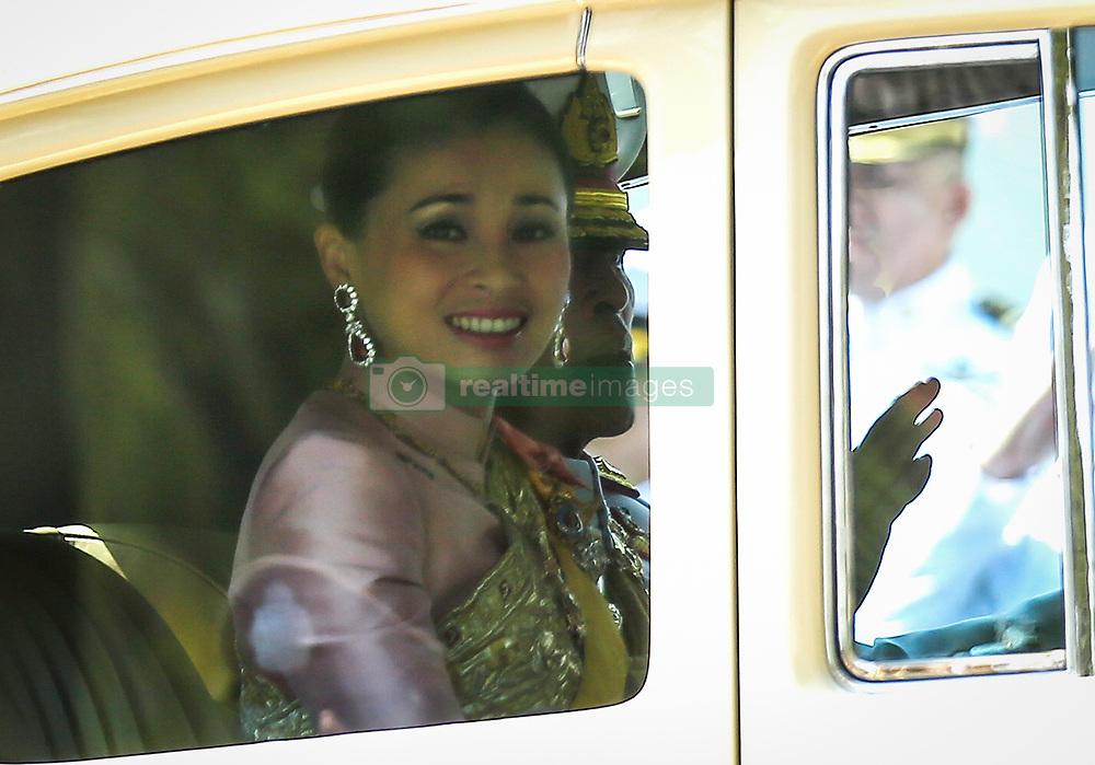 May 4, 2019 - Bangkok, Thailand - Thailand's King Maha Vajiralongkorn Bodindradebayavarangkun (Rama X) and Queen Suthida arrive at the Grand Palace during his coronation in Bangkok, (Credit Image: © Chaiwat Subprasom/SOPA Images via ZUMA Wire)