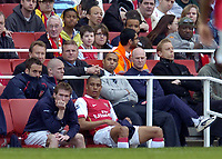 Photo: Olly Greenwood.<br />Arsenal v West Ham United. The Barclays Premiership. 07/04/2007. Arsenal's Thierry Henry and the Arsenal bench look on