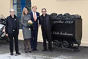 Streekbezoek Koning en Koningin in de voormalige Mijnstreek Limburg /// Region Visit King and Queen in the former mining region of Limburg<br /> <br /> op de foto / on the photo: <br /> <br />  Koning Willem-Alexander en koningin Maxima tijdens het bezoek aan Schacht Nulland in Kerkrade.  //// King Willem-Alexander and Queen Maxima while visiting Schacht Nulland in Kerkrade.