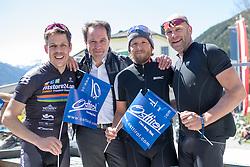20.04.2016, Aras, AUT, 40. Giro del Trentino Melinda, 2. Etappe von Arno nach Aras, im Bild Bernhard Kohl, Franz Theurl (TVBO Obmann), Gerhard Trampusch, Kai Hundertmark // during the 2nd stage from Arco to Anras of 40th Giro del Trentino. Auras, Austria on 2015/04/20. EXPA Pictures © 2015, PhotoCredit: EXPA/ Johann Groder
