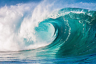 Breaking wave, Waimea Bay shorebreak, Oahu, Hawaii, USA ---