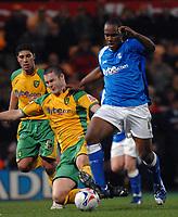 Photo: Ashley Pickering.<br /> Norwich City v Birmingham City. Coca Cola Championship. 13/03/2007.<br /> Cameron Jerome of Birmingham (R) makes a run forward