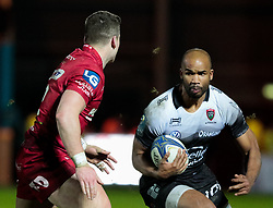 Toulon's JP Pietersen lines up Scarlets' Scott Williams<br /> <br /> Photographer Simon King/Replay Images<br /> <br /> European Rugby Champions Cup Round 6 - Scarlets v Toulon - Saturday 20th January 2018 - Parc Y Scarlets - Llanelli<br /> <br /> World Copyright © Replay Images . All rights reserved. info@replayimages.co.uk - http://replayimages.co.uk