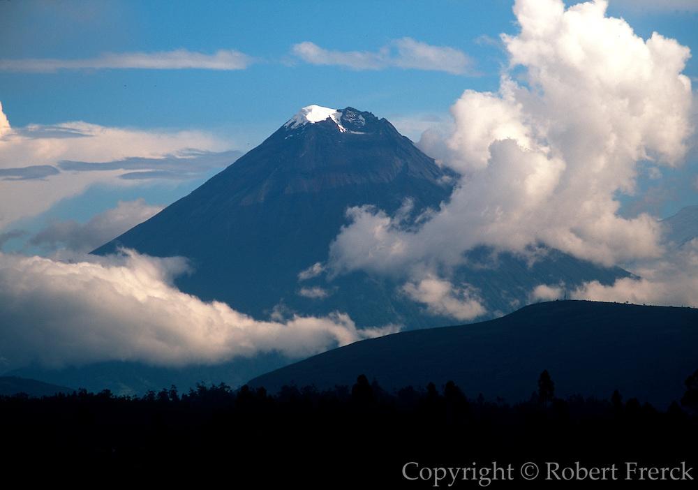 ECUADOR, HIGHLANDS, SOUTH OF QUITO the Avenue of Volcanos; Tungurahua Volcano at 5016 meters is Ecuador's 10th highest mountain; near Banos