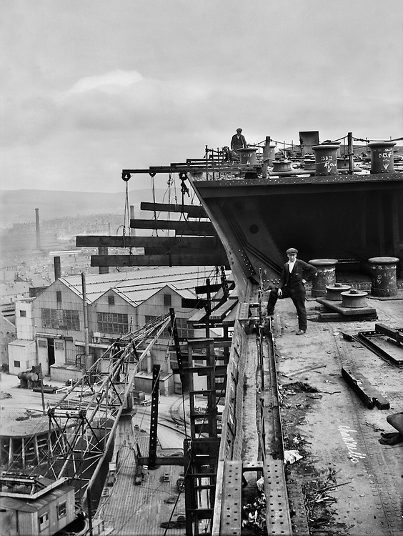 Worker on Hull, Cunard Lines, England, 1934