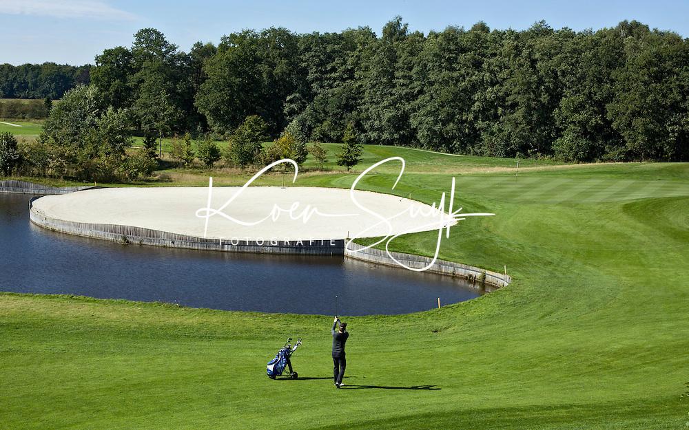 ENSCHEDE - Golfbaan- Het Rijk van SYBROOK, hole ZUID 9    .COPYRIGHT KOEN SUYK