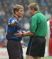 PICTURE HELEN BATT, DIGITALSPORT<br /> NORWAY ONLY<br /> <br /> GILLINGHAM VS COVENTRY<br /> GILLINGHAM'S ANDY HESSENTHALER CONFRONTS THE  REFEREE  ,1ST MAY 2004.