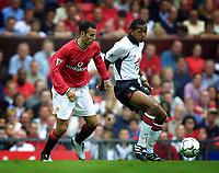 010819 Fotboll, Manchester United - Fulham, Ryan Giggs, Manchester och Kevin Betsy, Fulham.