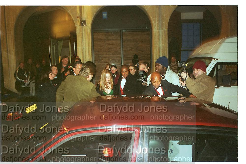 Julianne Moore. Miramax post Bafta's party. Noble Rot. 9 April 2000. © Copyright Photograph by Dafydd Jones 66 Stockwell Park Rd. London SW9 0DA Tel 020 7733 0108 www.dafjones.com