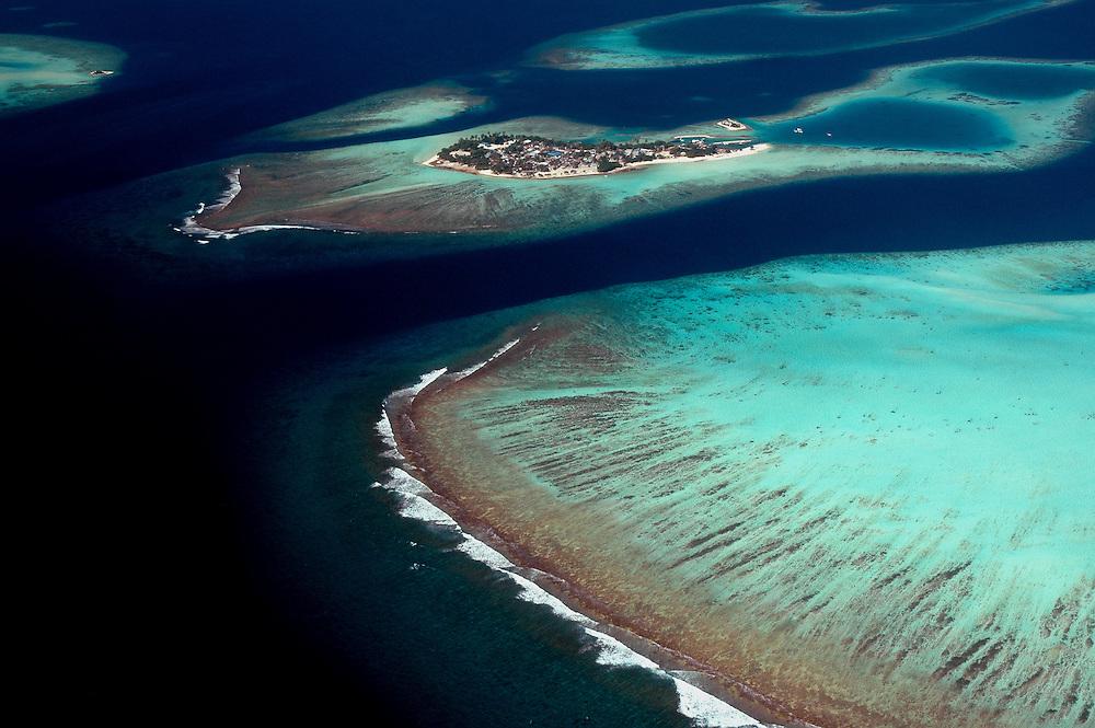 Aerial view of the Maldives from Male towards Khollufushi..Maldives 4 Jan 2005