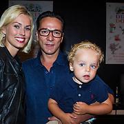 """NLD/Den Haag/20130907 -  Boekpresentatie """"Dierendorpje"""" van Kim-Lian van der Meij, Spiros met partner en zoon"""