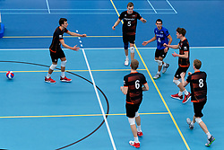 26-10-2019 NED: Talentteam Papendal - Draisma Dynamo, Ede<br /> Round 4 of Eredivisie volleyball - Markus Held #3 of Talent Team, Martijn Brilhuis #5 of Talent Team, Nick Martherus #4 of Talent Team, Leon Luini #9 of Talent Team