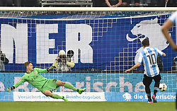 17.03.2017, Allianz Arena, Muenchen, GER, 2. FBL, TSV 1860 Muenchen vs Würzburger Kickers, 25. Runde, im Bild Robert Wulnikowski, Torwart (FC Wuerzbuger Kickers), Michael Liendl (TSV 1860 Muenchen), v.li. Elfmeter, Tor // during the 2nd German Bundesliga 25th round match between TSV 1860 Muenchen and Würzburger Kickers at the Allianz Arena in Muenchen, Germany on 2017/03/17. EXPA Pictures © 2017, PhotoCredit: EXPA/ Eibner-Pressefoto/ Buthmann<br /> <br /> *****ATTENTION - OUT of GER*****