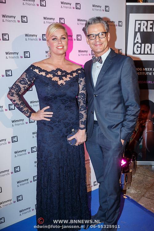 NLD/Laren/20151101 - 10de Free a Girl gala 2015, Bridget Maasland en Theo Hopman