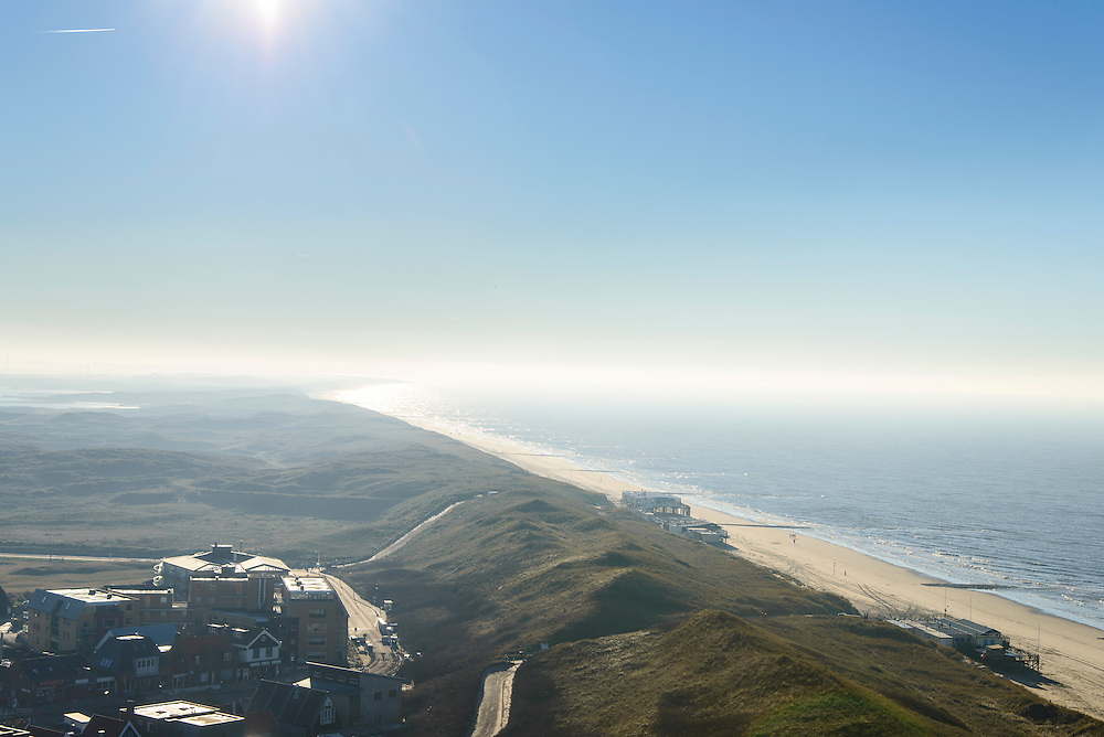 Nederland, Noord-Holland, Gemeente Schagen, 11-12-2013; de duinen bij het dorp Callantsoog. De duinenrij is slechts een duin breed, de kust moet versterkt.<br /> The dunes near the village of Callantsoog. The coastal dunes count only one dune, strengthening of the dunens is needed.<br /> luchtfoto (toeslag op standard tarieven);<br /> aerial photo (additional fee required);<br /> copyright foto/photo Siebe Swart