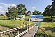 Nederland, Ressen, 8-6-2012In een boomgaard, kersenboomgaard, worden kersen verkocht. Foto: Flip Franssen/Hollandse Hoogte