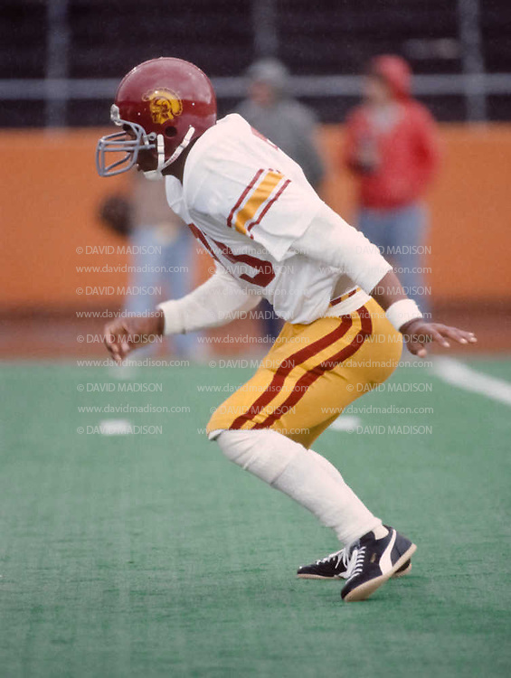 CORVALLIS, OR -  OCTOBER 3:  Marcus Allen #33 of the USC Trojans starts a play during an NCAA football game against the Oregon State University Beavers played on October 3, 1981 at Parker Stadium in Corvallis, Oregon. (Photo by David Madison/Getty Images) *** Local Caption *** Marcus Allen