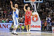 DESCRIZIONE : Beko Legabasket Serie A 2015- 2016 Dinamo Banco di Sardegna Sassari - Olimpia EA7 Emporio Armani Milano<br /> GIOCATORE : Andrea Cinciarini<br /> CATEGORIA : Palleggio Schema Mani Controcampo<br /> SQUADRA : Olimpia EA7 Emporio Armani Milano<br /> EVENTO : Beko Legabasket Serie A 2015-2016<br /> GARA : Dinamo Banco di Sardegna Sassari - Olimpia EA7 Emporio Armani Milano<br /> DATA : 04/05/2016<br /> SPORT : Pallacanestro <br /> AUTORE : Agenzia Ciamillo-Castoria/C.AtzoriCastoria/C.Atzori