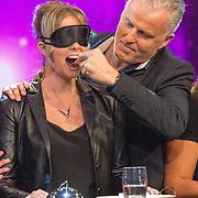 NLD/Aalsmeer/20151120 - 1e show Mindmasters Live 2015, Boer Geert, Monique Smit en Patty Brard gevoerd door Peter R. de Vries