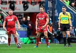 Scarlets' Leigh Halfpenny lines up a kick at goal<br /> <br /> Photographer Simon King/Replay Images<br /> <br /> Guinness PRO14 Round 19 - Scarlets v Glasgow Warriors - Saturday 7th April 2018 - Parc Y Scarlets - Llanelli<br /> <br /> World Copyright © Replay Images . All rights reserved. info@replayimages.co.uk - http://replayimages.co.uk