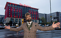 Citizen Khan takes over Birmingham New Street announcing train departures from the control room to celebrate the Premiere of the BBC1 comedy in the City. He also met fans in the New Grand Central Station of Birmingham New Street.<br /> <br /> Documenting Citizen Khans antics around Birmingham for BBC.
