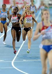 01-08-2010 ATLETIEK: EUROPEAN ATHLETICS CHAMPIONSHIPS: BARCELONA<br /> Germany (GER) - Silver Medal 4x400m Relay Women Final / OSHAKES-DRAYTON, Perri GBR and HOFFMANN, Claudia GER<br /> ©2010-WWW.FOTOHOOGENDOORN.NL