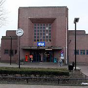 NLD/Bussum/20080109 - Station gebouw Naarden Bussum