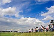 Nederland, Nijmegen, 19-7-2011Op de Wedren starten om 4 uur de eerste lopers van de 4 daagse. Via de Waalbrug ging het naar de Betuwe en via de Oosterhoutsedijk weer terug.Foto: Flip Franssen/Hollandse Hoogte