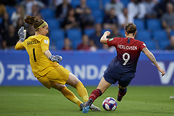June 27, 2019 - Le Havre, France - Karen Bardsley (Manchester City WFC) of England and Isabell Herlovsen (Kolbotn) of Norway competes for the ball during the 2019 FIFA Women's World Cup France Quarter Final match between Norway and England at  on June 27, 2019 in Le Havre, France. (Credit Image: © Jose Breton/NurPhoto via ZUMA Press)